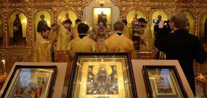 Архиерейское богослужение в храме сщмч. Кирилла, митрополита Казанского