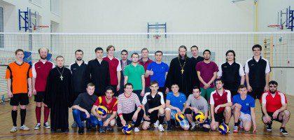 В КазПДС состоялся турнир по волейболу между студентами исламских и православных духовных вузов