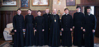 Студенты выпускных курсов пастырско-богословского отделения КазПДС встретились с главой Татарстанской митрополии