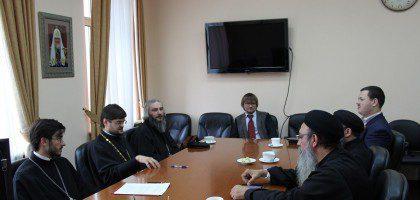 Проректор по учебной работе иеромонах Роман (Модин) принял участие в заседании рабочей группы по академическому сотрудничеству между Русской Православной Церковью и Коптской Церковью