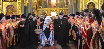 Аминистрация и студенты Казанской семинарии приняли участие в Пасхальной великой вечерне в Благовещенском соборе