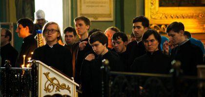 Администрация, преподаватели и воспитанники Казанской семинарии приняли участие в архиерейском богослужении