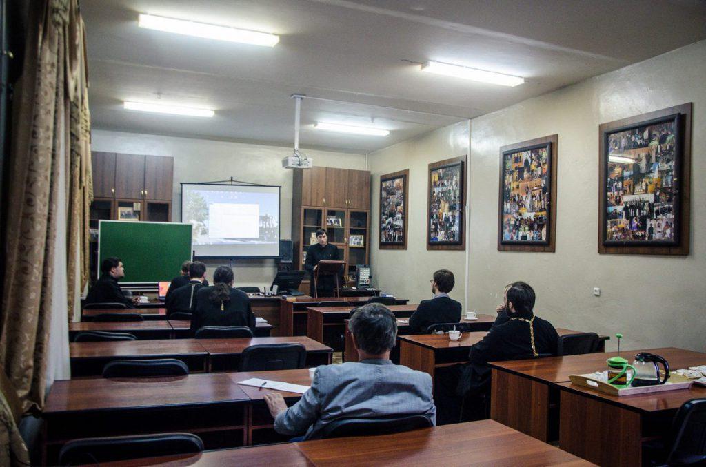 В Казанской семинарии состоялась предзащита дипломных работ  предзащита
