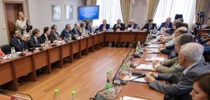 Первый проректор Казанской семинарии выступил с докладом на круглом столе Изборского клуба