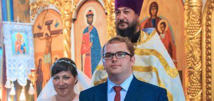 Поздравляем студентов Казанской семинарии с таинством венчания!