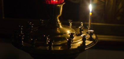 Студенты семинарии приняли участие в ночной Божественной Литургии