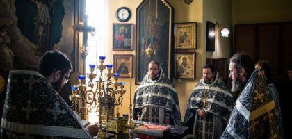 В среду первой седмицы Великого поста  в храме св. прав. Иоанна Кронштадтского Казанской православной духовной семинарии была совершена первая в этом году Литургия Преждеосвященных Даров.