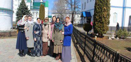 Студентки регентского отделения Казанской семинарии посетили Раифский Богородицкий монастырь