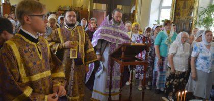 В Казанской духовной семинарии встретили праздник Изнесения Честных Древ Животворящего Креста Господня