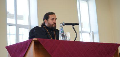 В ДЕНЬ ТРЕЗВОСТИ В КАЗАНСКОЙ ДУХОВНОЙ СЕМИНАРИИ ПРОШЛА ЛЕКЦИЯ О ПАСТЫРСКОМ ОКОРМЛЕНИИ АЛКО- И НАРКОЗАВИСИМЫХ