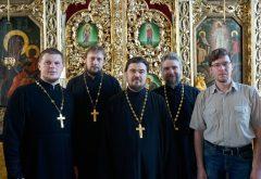 15 лет после выпуска: выпускники 2004-го года собрались за Литургией в храме семинарии
