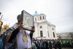 Митрополит Казанский и Татарстанский Феофан: «Бог поругаем не бывает, и Царица Небесная защищает нас!»