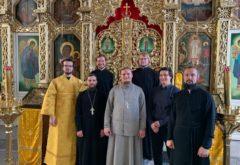 Выпускники 2015-го года собрались за Литургией в храме семинарии