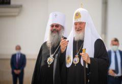 Начальствующие, учащие и учащиеся семинарии приняли участие в патриаршем богослужении в воссозданном соборе на месте явления Казанской иконы Божией Матери
