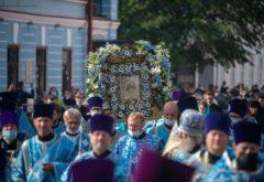 Преподаватели и студенты семинарии приняли участие в городском крестном ходе с Казанской иконой Божией Матери